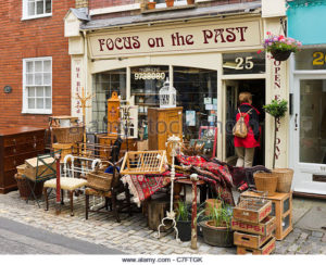 secondhand-shop-in-clifton-village-bristol-avon-uk-c7ftgk